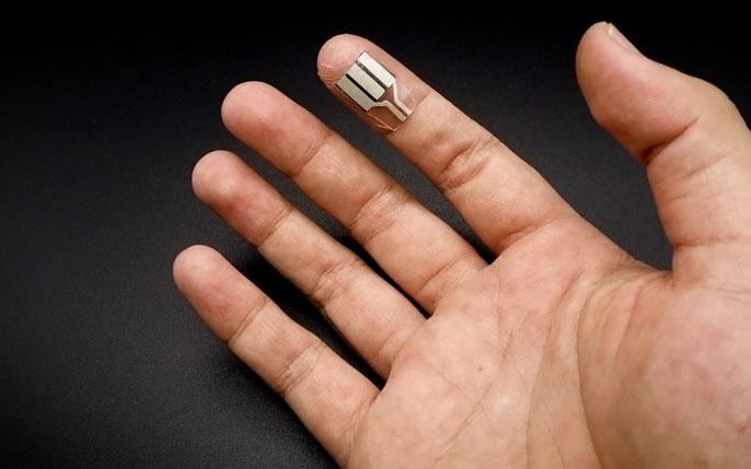 Wearable on the fingertip