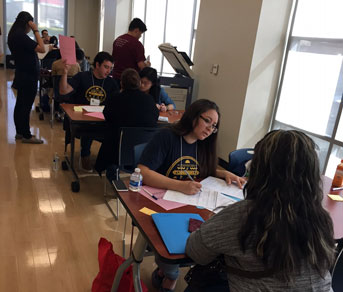 UC law students pitch in to help immigrants assert their