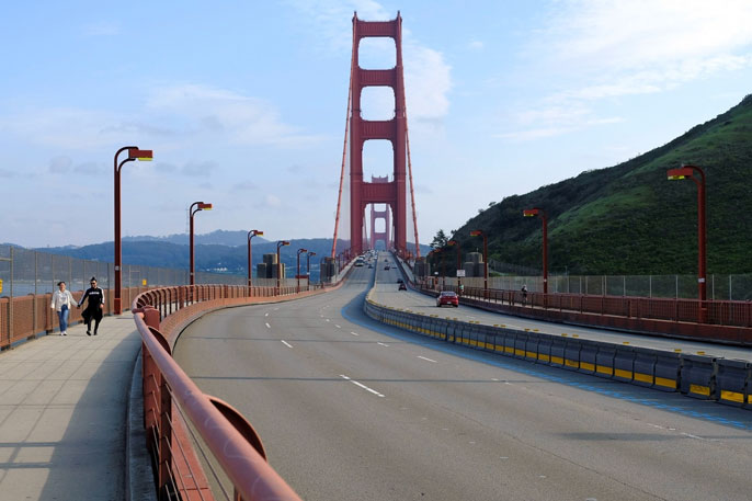Golden Gate Bridge nearly empty