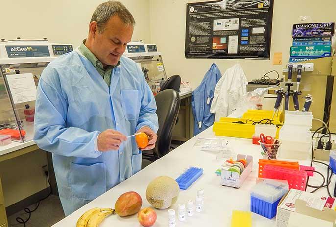 George Farquar demonstrates DNATrax