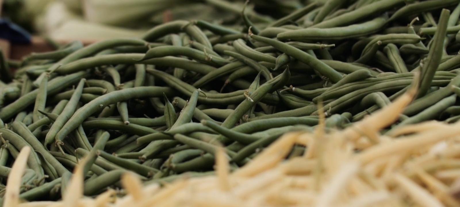 Green beans at a market