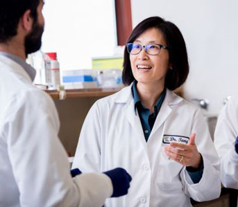 Tang working in her lab