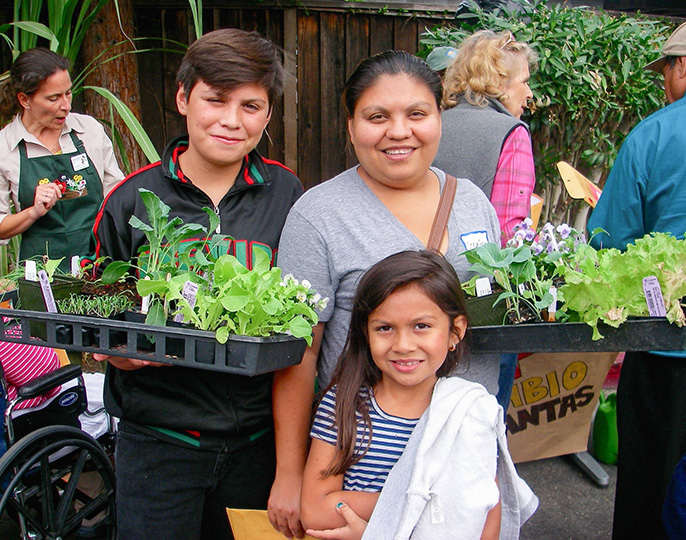 The La Mesa Verde program in San Jose helps low-income families to establish their own vegetable gardens